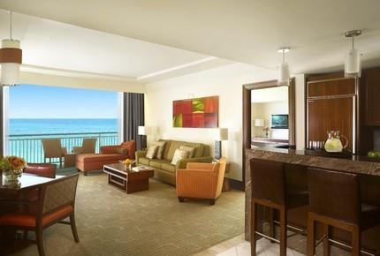 The_reef_atlantis_one_bedroom_suite_-_living_room_12272_med